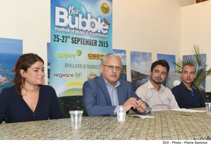 Environment minister lauds celebration of sustainable living by The Bubble