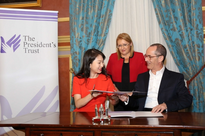 Helen Hai (left) with President Marie Louise Coleiro Preca, and Michael Bianchi
