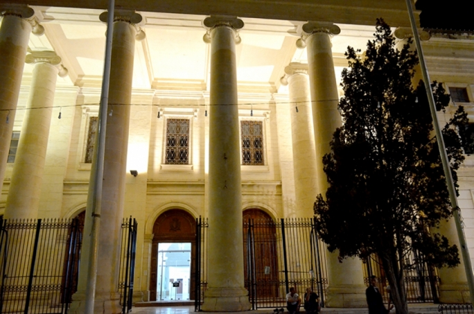 Valletta man pleads guilty to drug trafficking