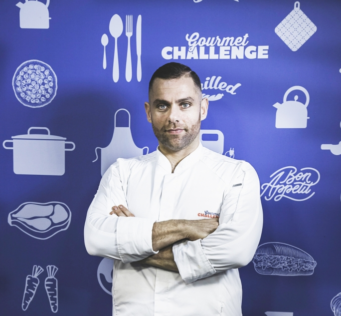 Robert Cassar on the set of Gourmet Challenge