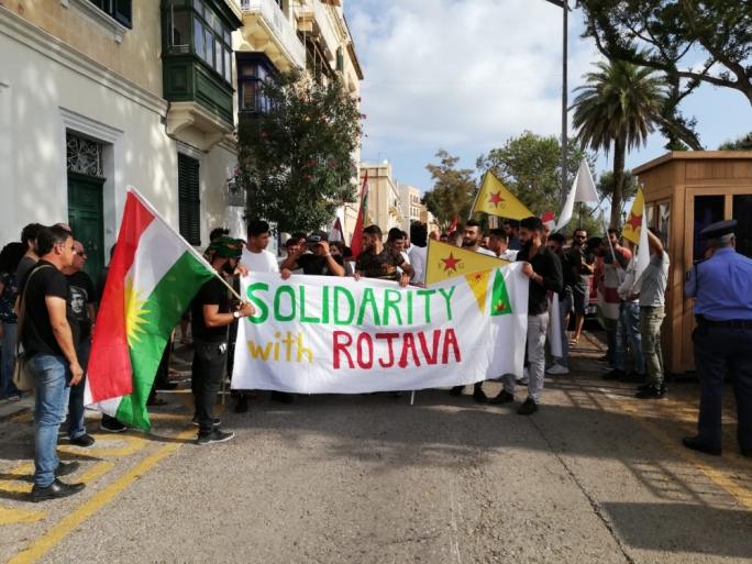 [WATCH] 'Erdogan terrorist' — Kurds in Malta show solidarity with under-fire Kurds in Syria