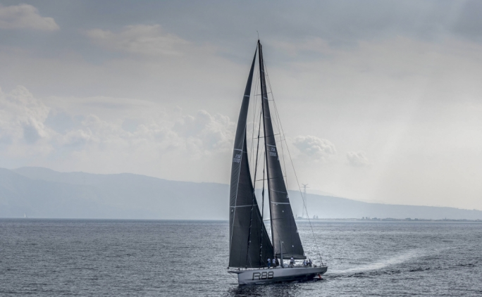 Rolex Middle Sea Race | Fairer winds return as boats round Stromboli