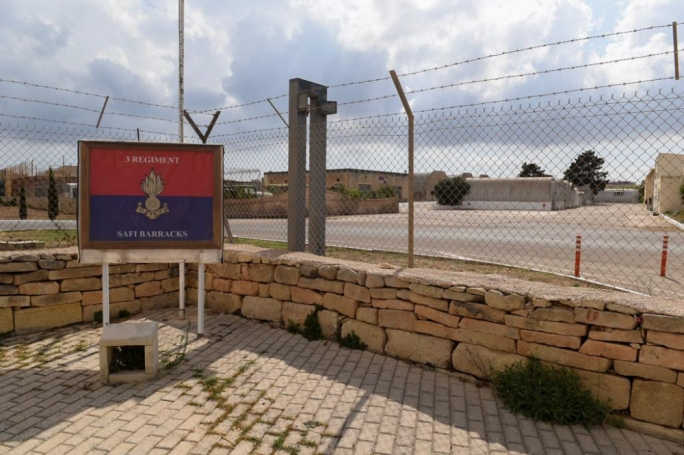 Private guards inside detention centres: no breakdown of costs