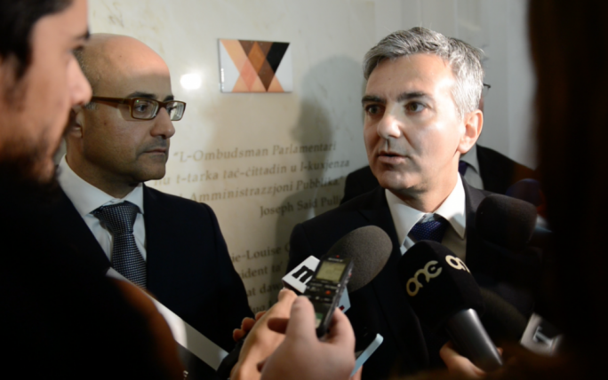 [WATCH] Busuttil says he won't honour PN deal on Armier boathouses