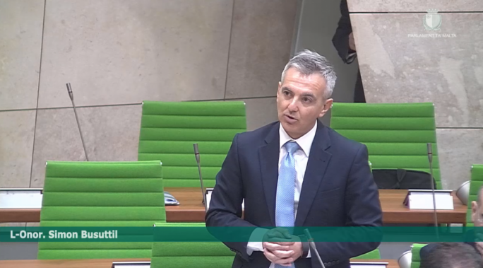 [WATCH] Muscat calls Busuttil 'fraudster', former PN leader insists PM owns Egrant