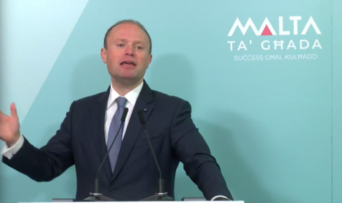 An 'open-doors policy' is the best bet for a thriving economy, Muscat says