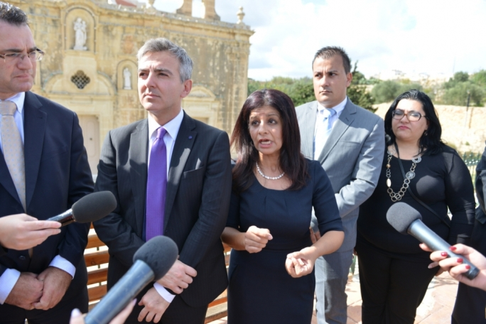 Updated | Busuttil calls for 'correct' investigations on PV contract