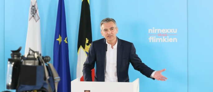 Busuttil claims all PL officials are on government payroll