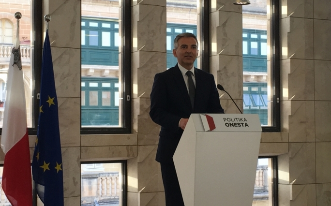 Panama Papers | Busuttil announces demonstration calling on PM to sack minister, aide