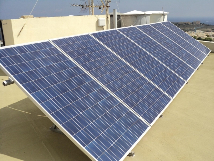 Mizzi claims Malta on track to meet renewable targets as new PV scheme launched