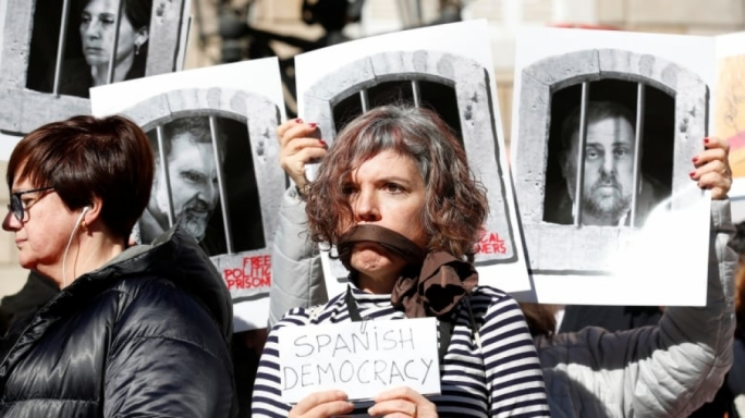 Catalan separatists go on trial in Spain