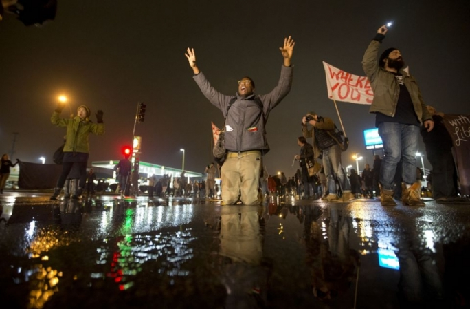 Ferguson streets 'calmer' two nights after controversial ruling