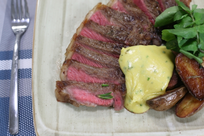 Classic steak frites and Béarnaise sauce