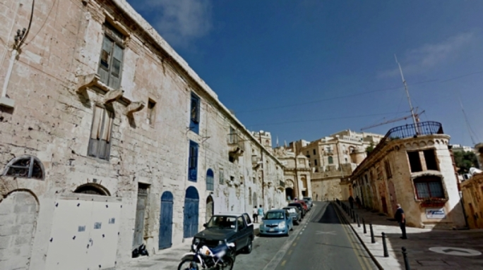 Ta' Liesse Hill leading up to Valletta's Victoria Gate