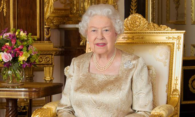 The British Queen (Photo: Hello Magazine)