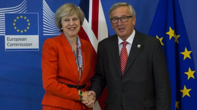 Theresa May to tell Jean-Claude Juncker Brexit plans not derailed by court ruling