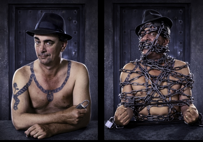 Tony Roberts, a world-class street escapologist, will be headlining the event