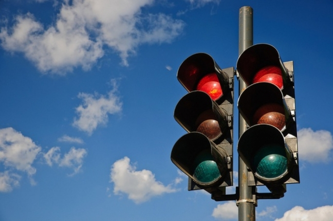 €1,750 fine for motorist who ignored traffic lights, insulted police