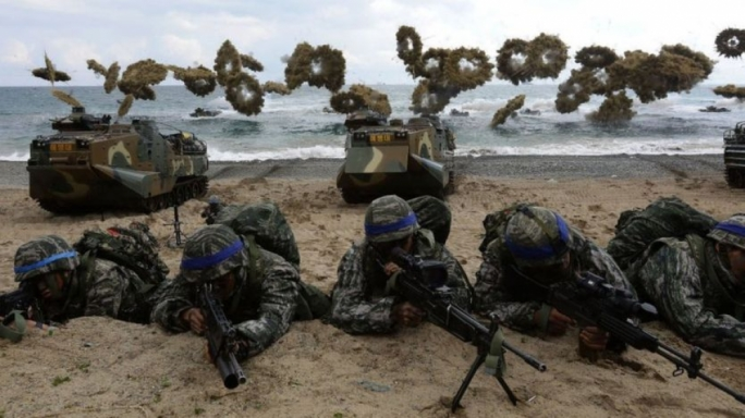 US and South Korean troops practicing a beach landing (Getty images)