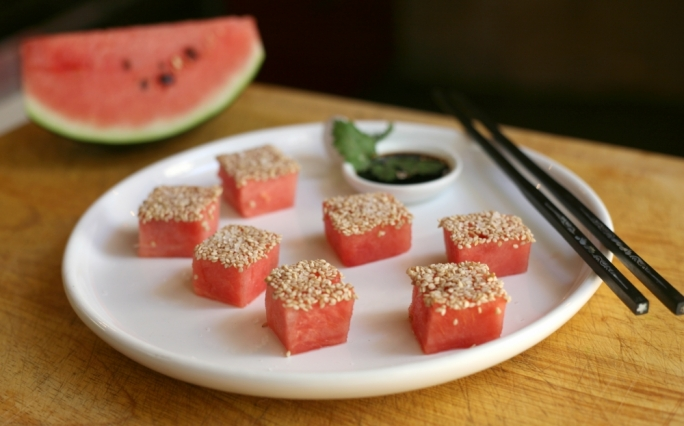 [WATCH] Watermelon sashimi