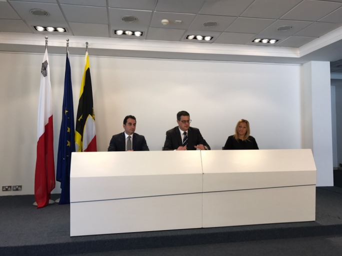PN leader Adrian Delia said that the government is not revealing its long-term plan on migration
