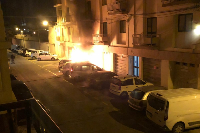 Car ablaze in Hamrun following 'big explosion'