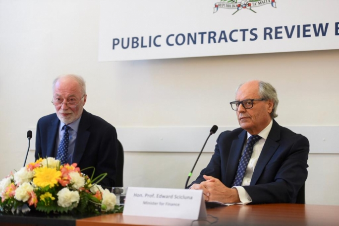 PCRB chairman Anthony Cassar (left) and Finance Minister Edward Scicluna. (Photo: James Bianchi/MediaToday)