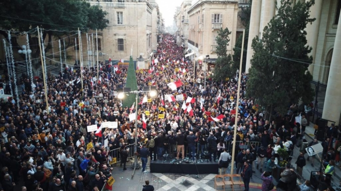 [IN PICTURES] Thousands protest in Valletta demanding Muscat's resignation