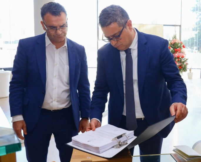 [WATCH] Attorney General hands over full Egrant report to Adrian Delia