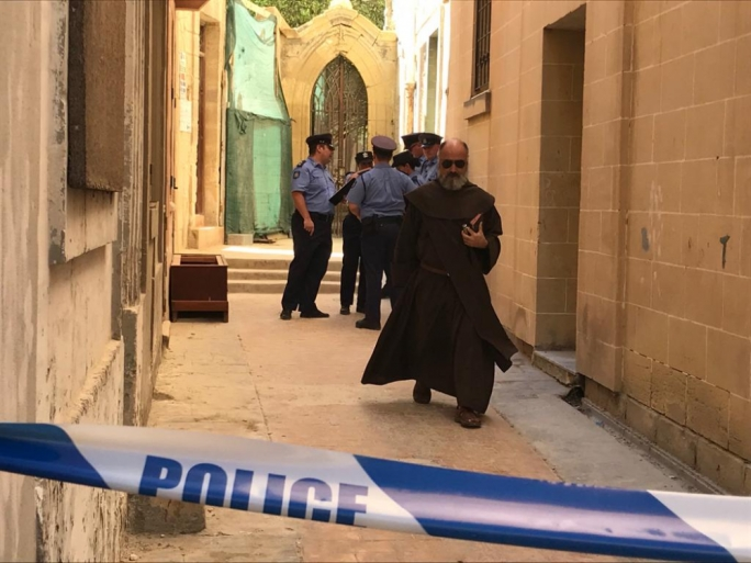 [WATCH] One dead, one seriously injured in Cospicua wall collapse